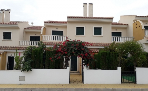 Luxury Townhouse in Doña Pepa